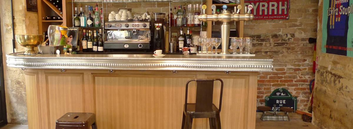 Bar en bois et etain