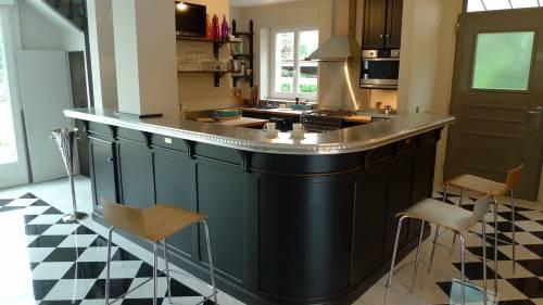Bar de cuisine avec comptoir vieux zinc