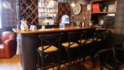 Modèle petrus dans une ambiance pub irlandais