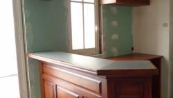 Cuisine pour appartement : le comptoir en zinc