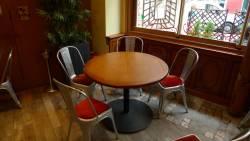 Table ronde de bistrot