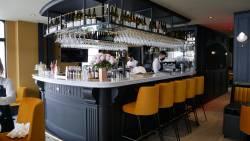 Le bar du restaurant bistrot racines